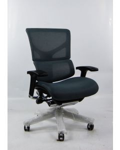 Three quarter view White X2 Management Chair